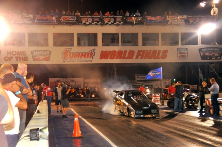 Bowen, DeFlorian lead qualifying on soggy opening day of Summit World Finals